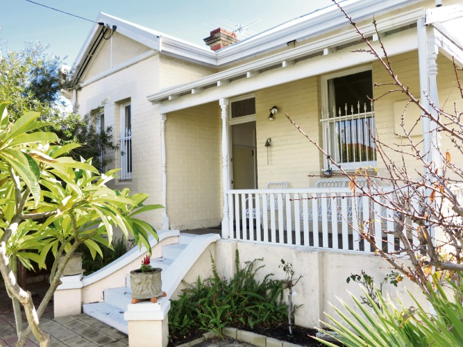 36 Chatsworth Road, Highgate – $935,000