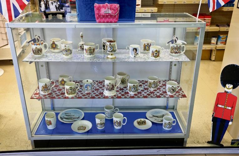 Kalamunda collector marks Royal Wedding with display of commemorative mugs