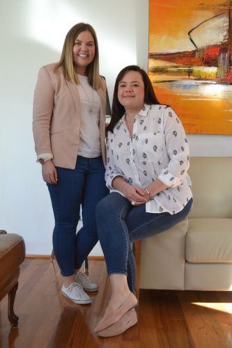 Sarah Quinn-Pagett and Fiona Drabble. The sisters have cystic fibrosis and have both undergone double lung transplants. Picture: Jessica Warriner.