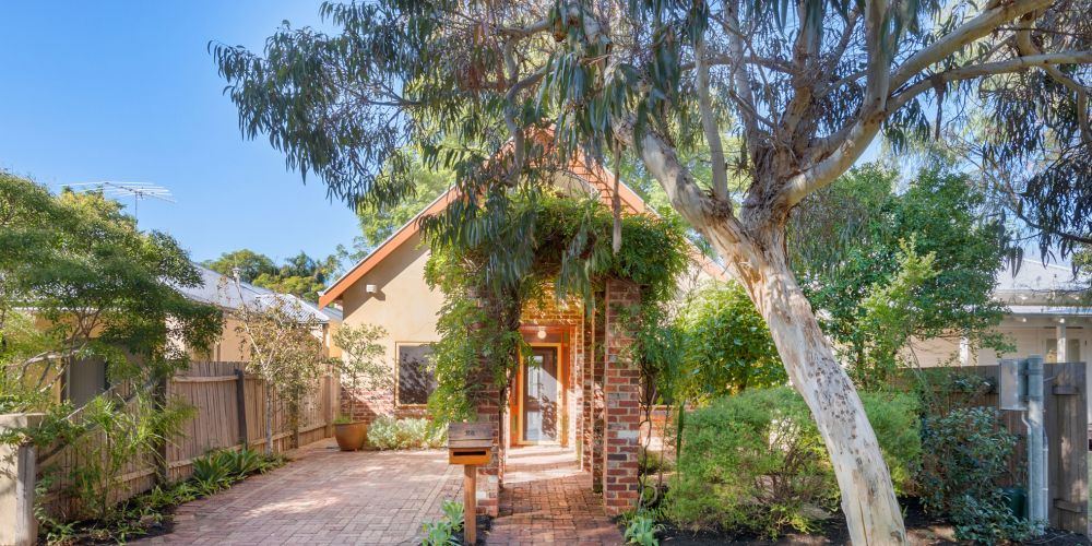 This home in Murchison Street, Shenton Park sold after the first home open.