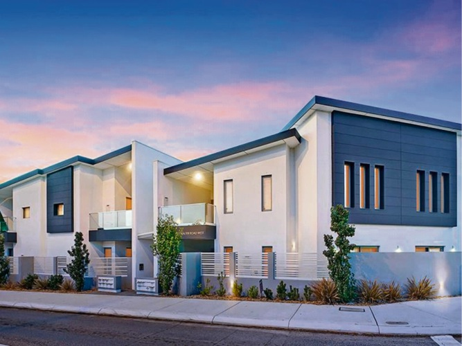 15/2 Walter Road West, Inglewood – Offers in the mid – high $300,000s
