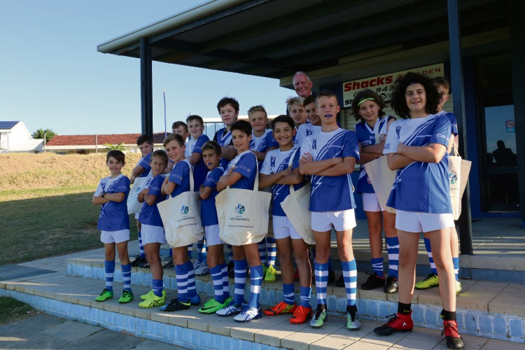 East Fremantle Mayor Jim O'Neill and members of the East Fremantle Junior Football Club.