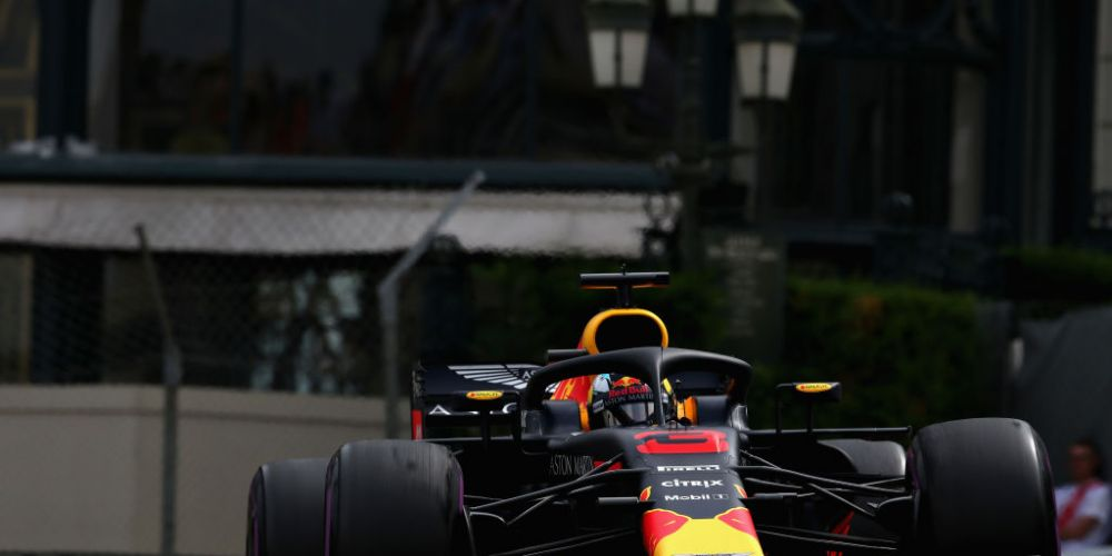 Daniel Ricciardo of Australia driving the (3) Aston Martin Red Bull Racing RB14 TAG Heuer on track. Picture: Charles Coates/Getty Images)