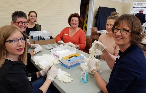 The Zonta Club of Perth Northern Suburbs has assembled 1000 birthing kits for women in developing countries.