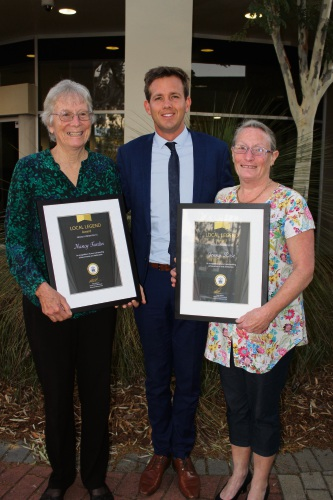 Mayor Rhys Williams with local legends Nancy Fardin and Jenny Rose.