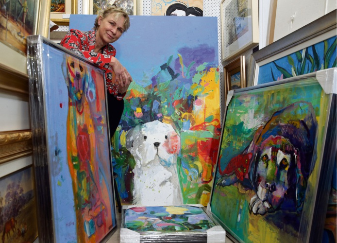 Lesmurdie artist Helen Norton has used her love of dogs as inspiration for her latest exhibition. Picture: Martin Kennealey.