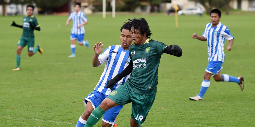 Persebaya and Lynwood SHS took part in an exhibition match on Friday.