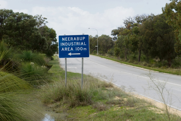 The City of Wanneroo plans to outsource limestone extraction in Neerabup industrial area.