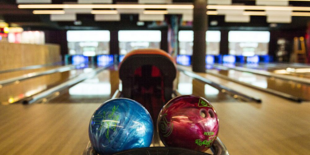 IPlay bowling alley and arcade opens at Westfield Whitford City