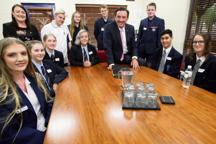 Youth Minister Peter Tinley and Ocean Reef SHS students. Picture: Bruce Hunt d483483