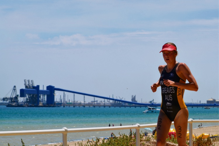 Jasmine Greaves competing at the Rockingham triathlon.