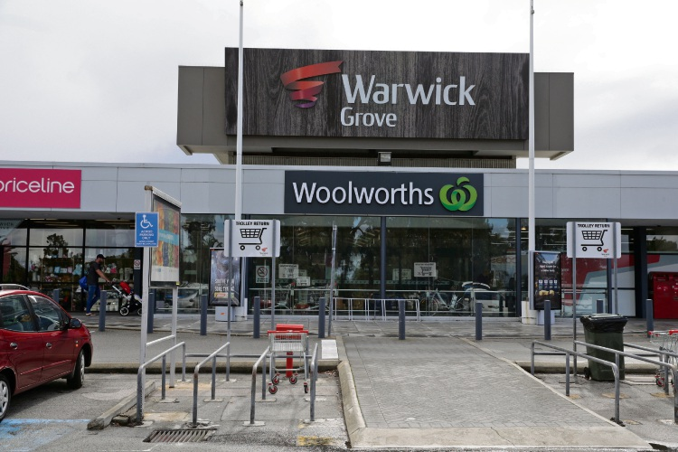 Aldi will soon be going head-to-head with Woolworths at Warwick Grove Shopping Centre. d483637