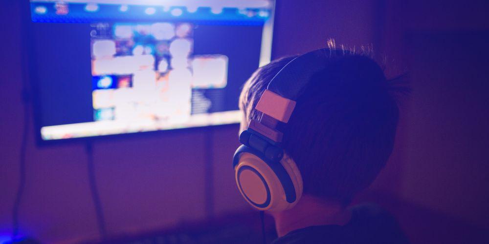Computer, Headphones, Video Game, Desktop PC, Males