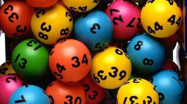 Man wins Lotto … then gets up at 5am for work