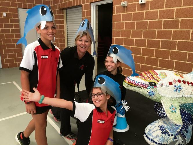 Travis Di Giovanni, Hillarys PS health and physical education team leader Karen Armstrong, Lauren Nikolov, Isla Barclay.