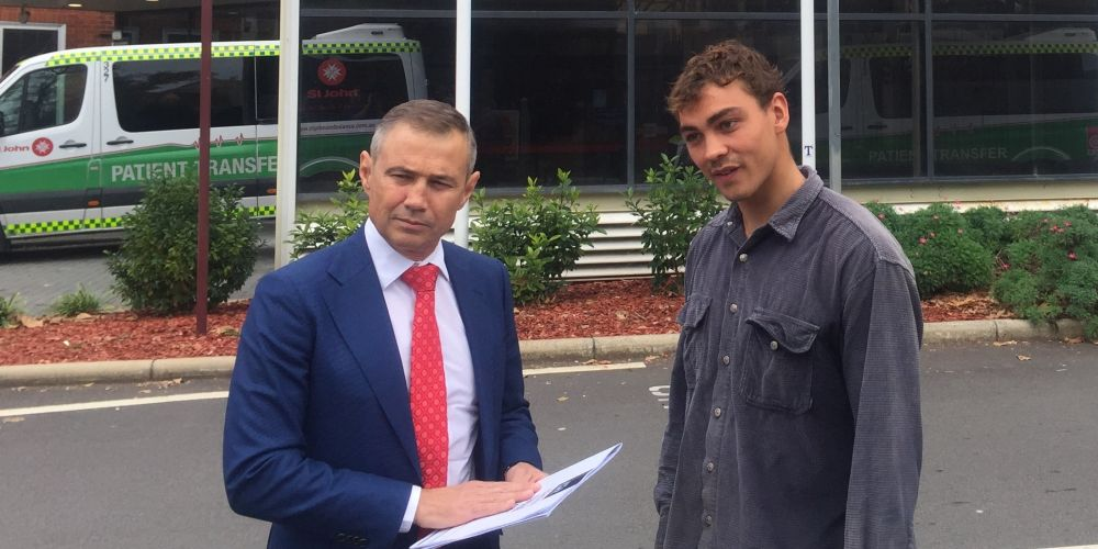 Health Minister Roger Cook with Tom De Souza, a former meth user.