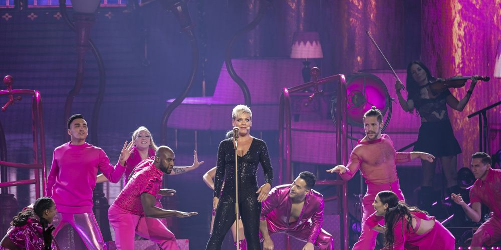 Pink carves it up at Perth Arena. Photos: Kelly Pilgrim-Byrne