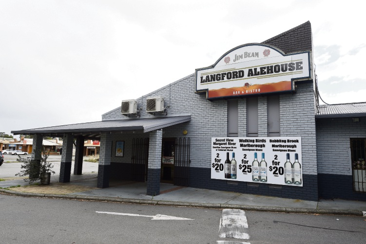 Langford Ale House and Bistro. d484973cCN. Photo: Jon Hewson.