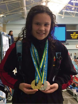Swimmers from Baldivis and Wellard competing in Tasmania