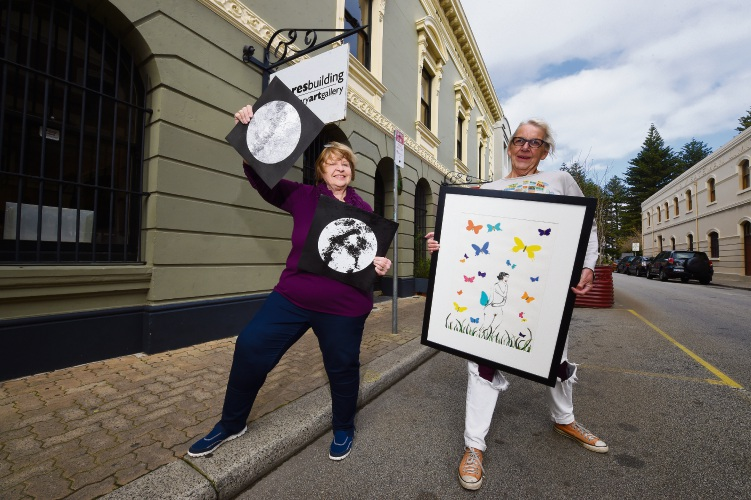 Artists L to R - Hilda Klap & Elizabeth Morrison Where: Fremantle What: Elizabeth Morrison, President of PAWA will be showing her artwor Photographer: Jon Hewson