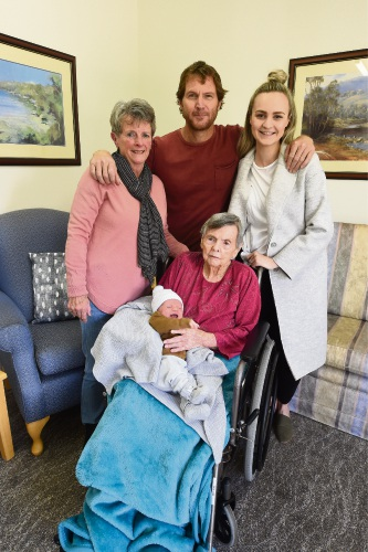 Five Generations - Kate Langley, Colleen Williams, Duane Williams, Tischa Carlisle & Menphis Carlisle Picture: Jon Hewson