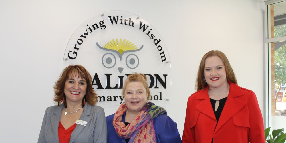 Halidon Primary School principal Helen Demiris, Education Minister Sue Ellery and Kingsley MLA Jessica Stojkovski at the official opening.