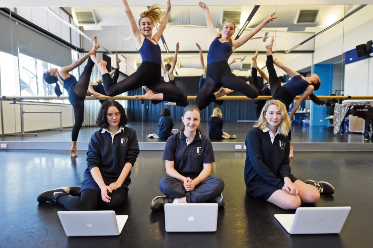 Dancers L to R - Esta Perrone, Chelsea Pianto, Georgia Walker & Olivia Jason Front L to R - Law Collins, Sasha Currie& Willow Armitstead ALL YEAR 10's Where: Fremantle What: As part of National Science Week 2018, nine John Curtin College Photographer: Jon Hewson