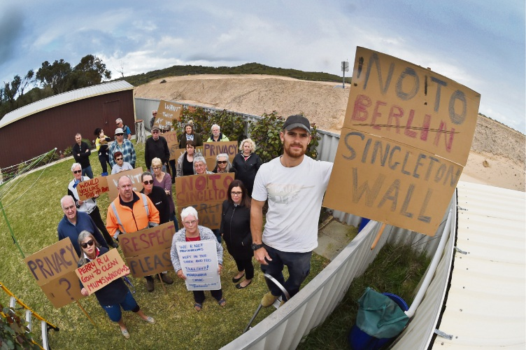 Singleton residents protest height of earthworks for Madora Bay North development