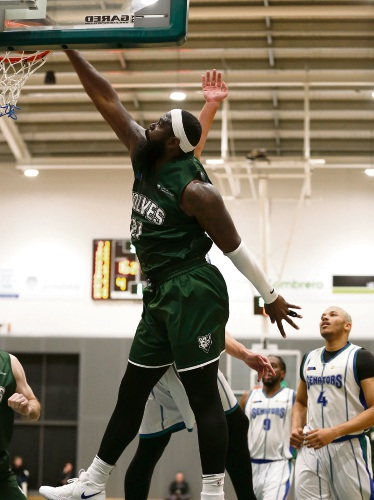 Jalen Billups throws it down. Picture: Michael Farnell, sportsimagery.com.au