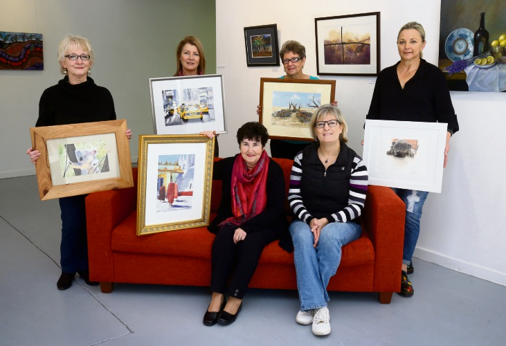 Jennifer Hill, Jill Tomes, Dawn Briggs, Heidi Brazier with Evelyn Young and Renata Wright are taking part in the Watercolour Art Exhibition at the Joondalup Art Gallery. Photo: Matt Jelonek