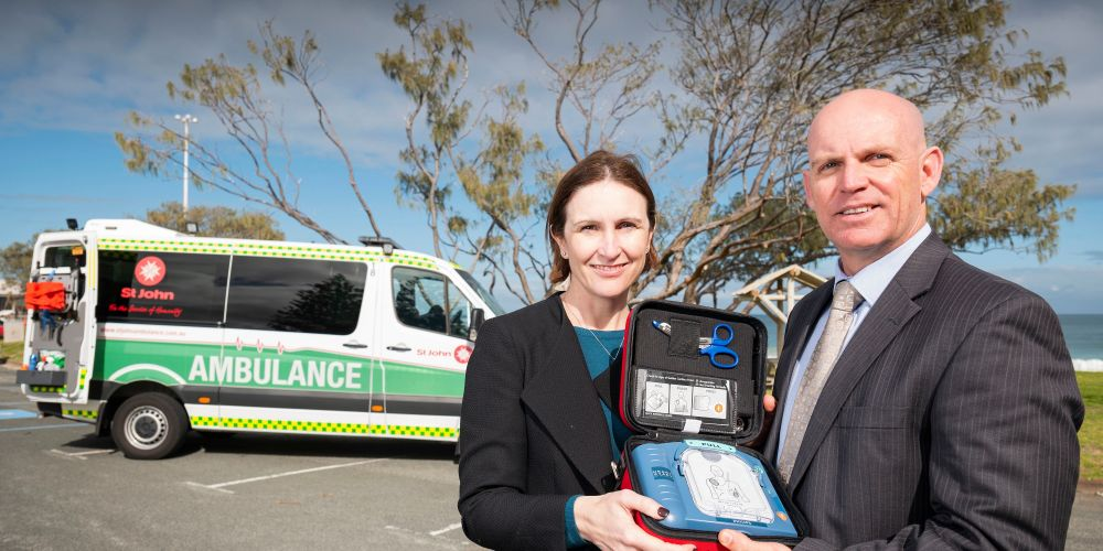 Cambridge mayor Keri Shannon with St John Ambulance's Phil Holman. Picture: Supplied.