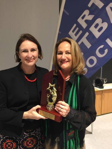 Town of Cambridge mayor Keri Shannon with PNA Volunteer of the Year Jenni Stawell