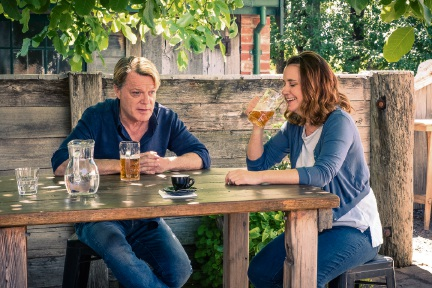 Eddie Izzard and Emily Taheny in The Flip Side.