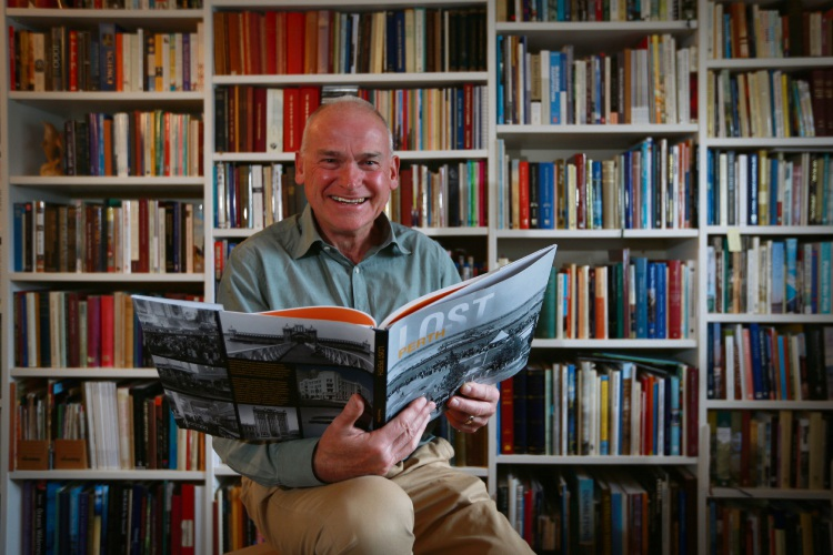 Lost Perth author Richard Offen. Picture: Andrew Ritchie