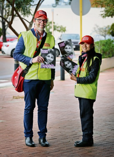City of Bayswater Mayor Dan Bull with Big Issue seller Phoebe.  Bayswater Mayor Dan Bull is helping to sell The Big Issue in Morley as part of the Mayor Selling event. Picture: David Baylis www.communitypix.com.au   d486519 d486519d