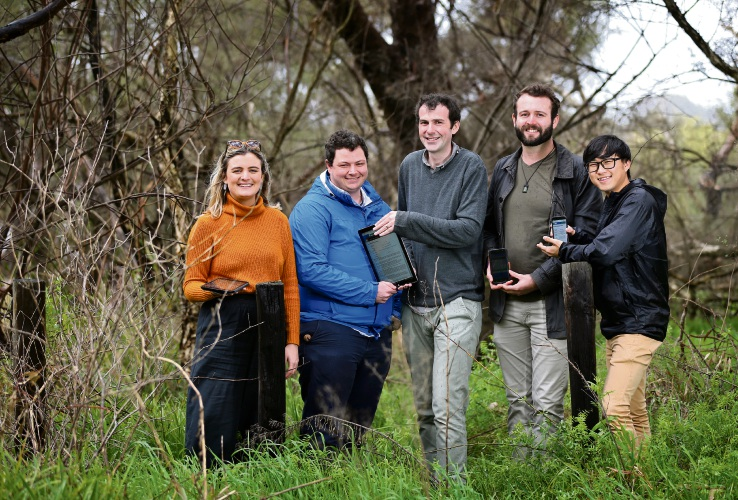Curtin University students Tess Wilkinson, left, Oliver Offer, lecturer Andrew Chapman and students Jake Benson and Chan Young Chung are conducting research into bushfire preparedness. Picture: David Baylis.