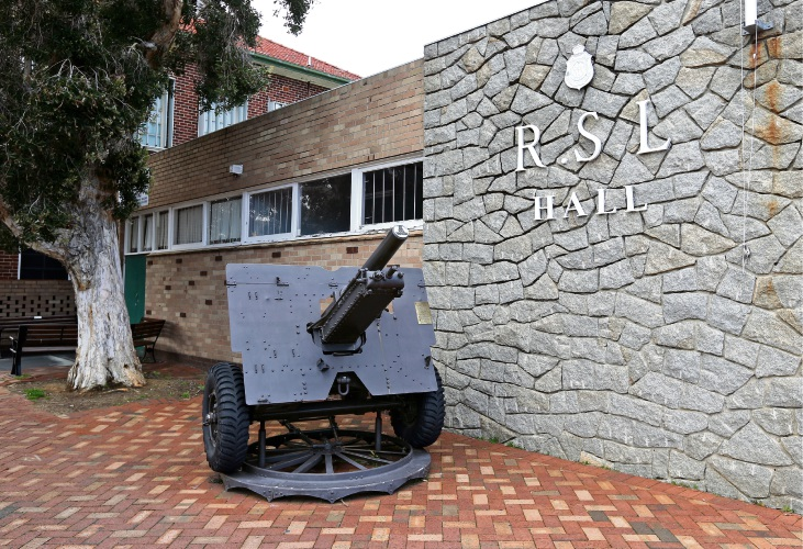 The World War II gun outside the old South Perth RSL branch on the corner of Angelo and Anstey streets in South Perth will soon be moved to a new location. Photo: David Baylis
