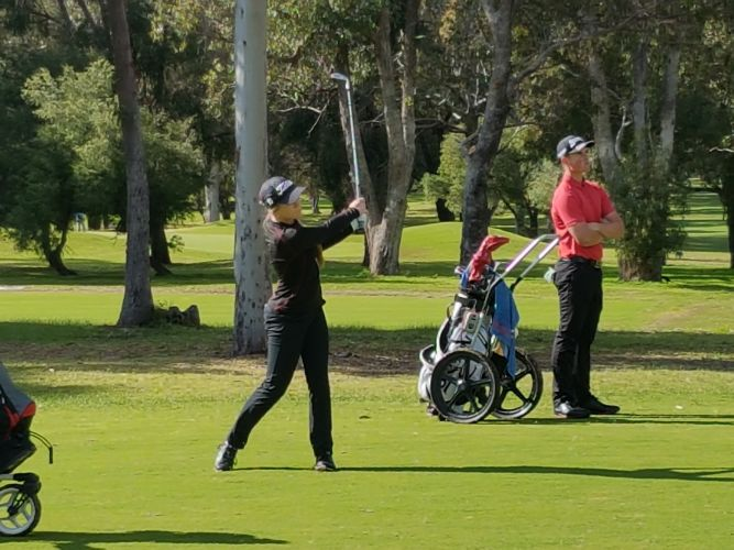 Kathryn Norris first female to compete against golfers from around Australia in Mandurah Amateur Open
