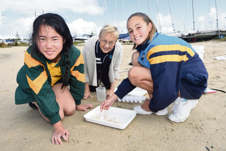 Amy Lin (Frederick Irwin Anglican School) with Elaine Lewis and Abby Ginbey (St Damiens Catholic College).