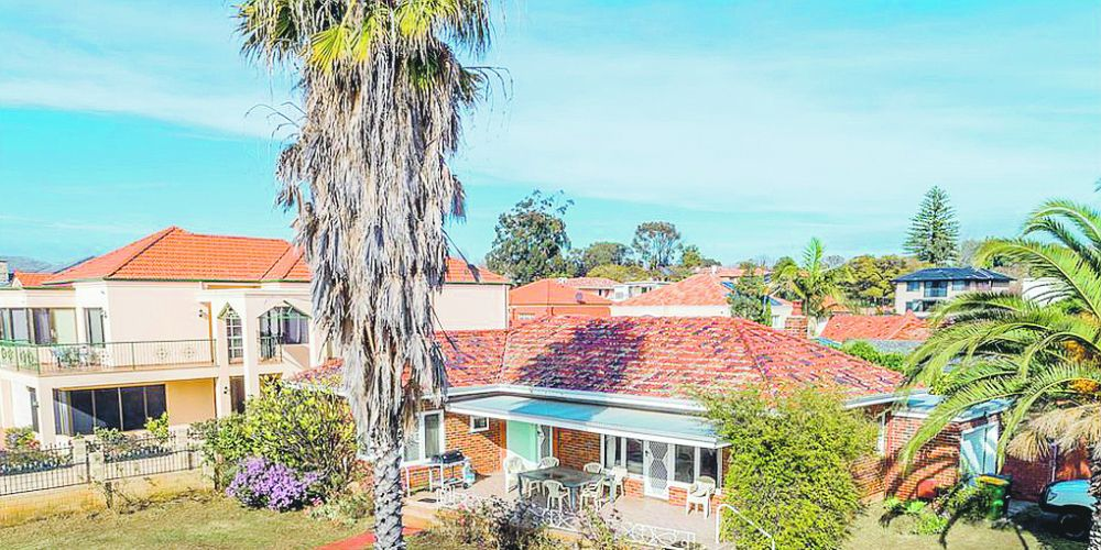 The prime location combined with proactive marketing saw this Applecross home sell in two days.