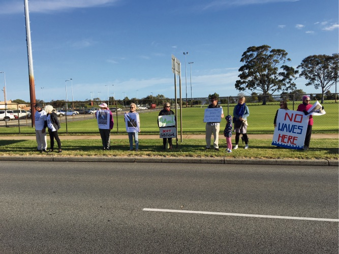 Some of the Wave Park protesters lining Canning Highway. Picture: Aaron Corlett.