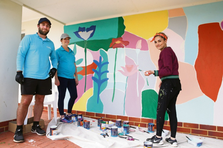 Leandlease employees lend a hand at Patricia Giles Centre