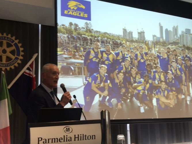 Ross Glendinning speaking at a Rotary Club of Perth event.