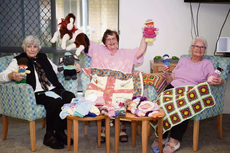 Ingenia Gardens Seascapes residents knit items for sick kids