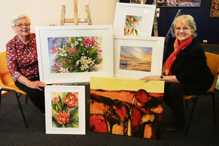 Ardross resident Bev Johnson and South Lake resident Pam Lockwood have teamed up for the Capturing the Light exhibition. Picture: Bruce Hunt d487702