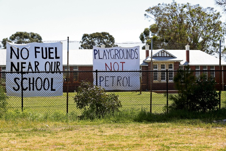 Eden Hill Primary School is protesting over the possible construction of a nearby petrol station. Picture: David Baylis www.communitypix.com.au d487758