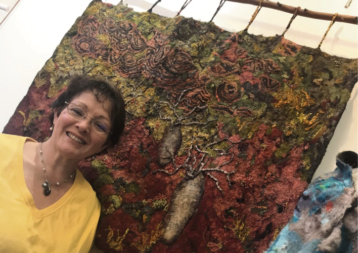 Patchwork quilters work on display in Waroona