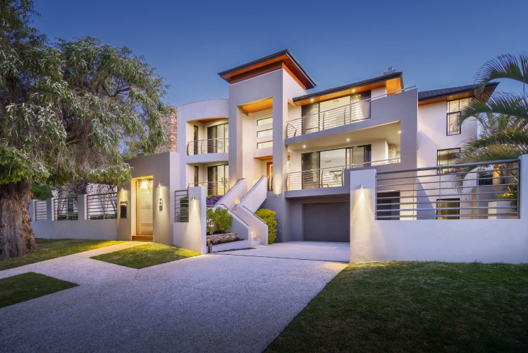 25 Oban Road, City Beach – Auction: November 10 at 11am