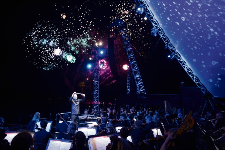 Christmas Symphony.
