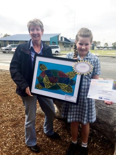 Mandurah Community Museum's Katrina Gauci with Elexi Waldron and her winning work.